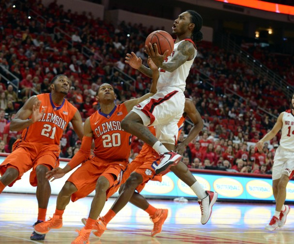 2015.01.29_Cat Barber drives vs Clemson